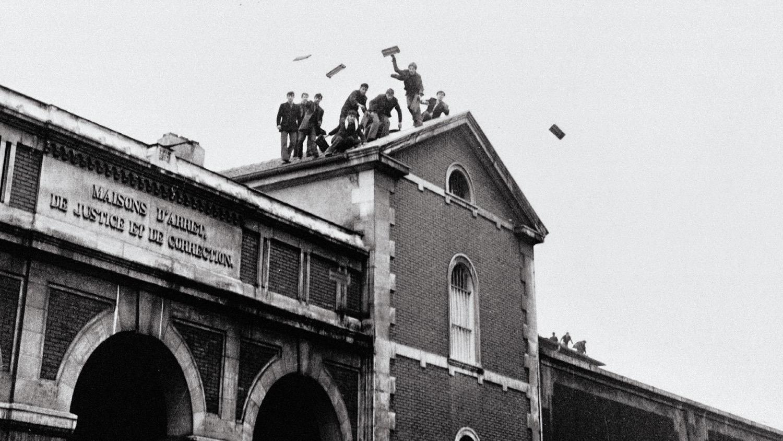 spoutnik nicolas drolc sur les toits