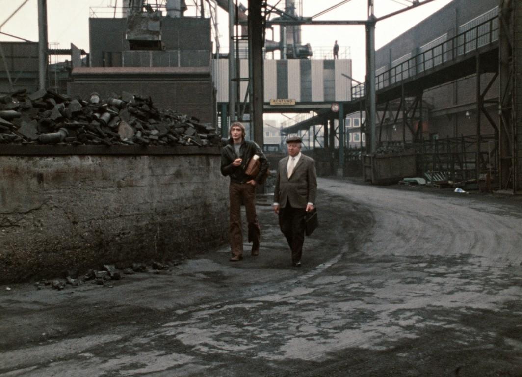 Eight Hours Don't Make a Day Rainer Werner Fassbinder giff cinema spoutnik